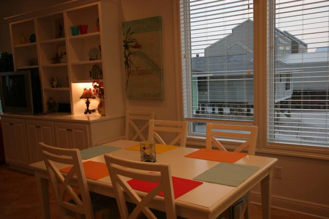 Beach Baby: Dining Area