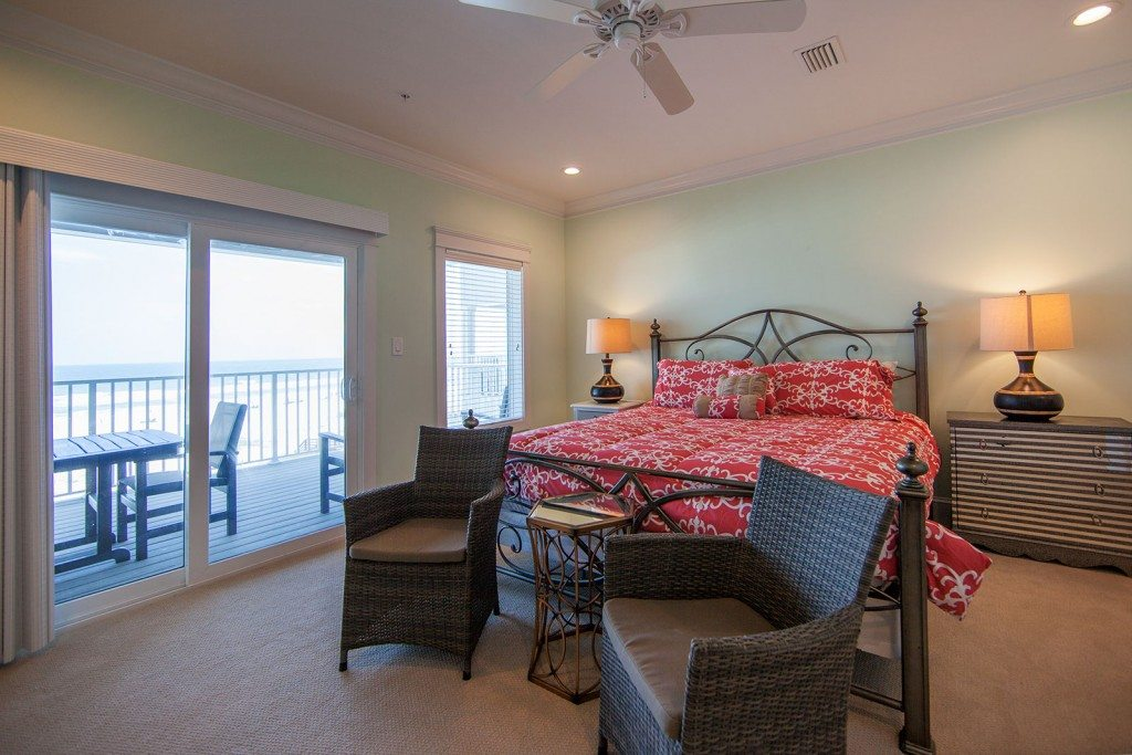 Emerald-2nd-floor-gulfside-bedroom