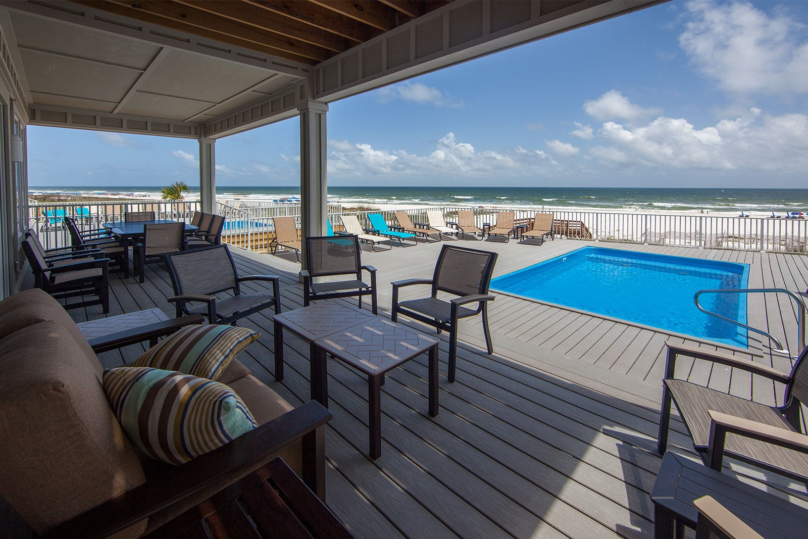 Captivating Emerald At The Cottages At Romar: Exterior Photos