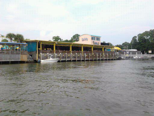 Lulu's at Homeport Marina