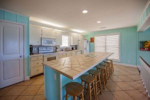 Sea-Rae-kitchen-1