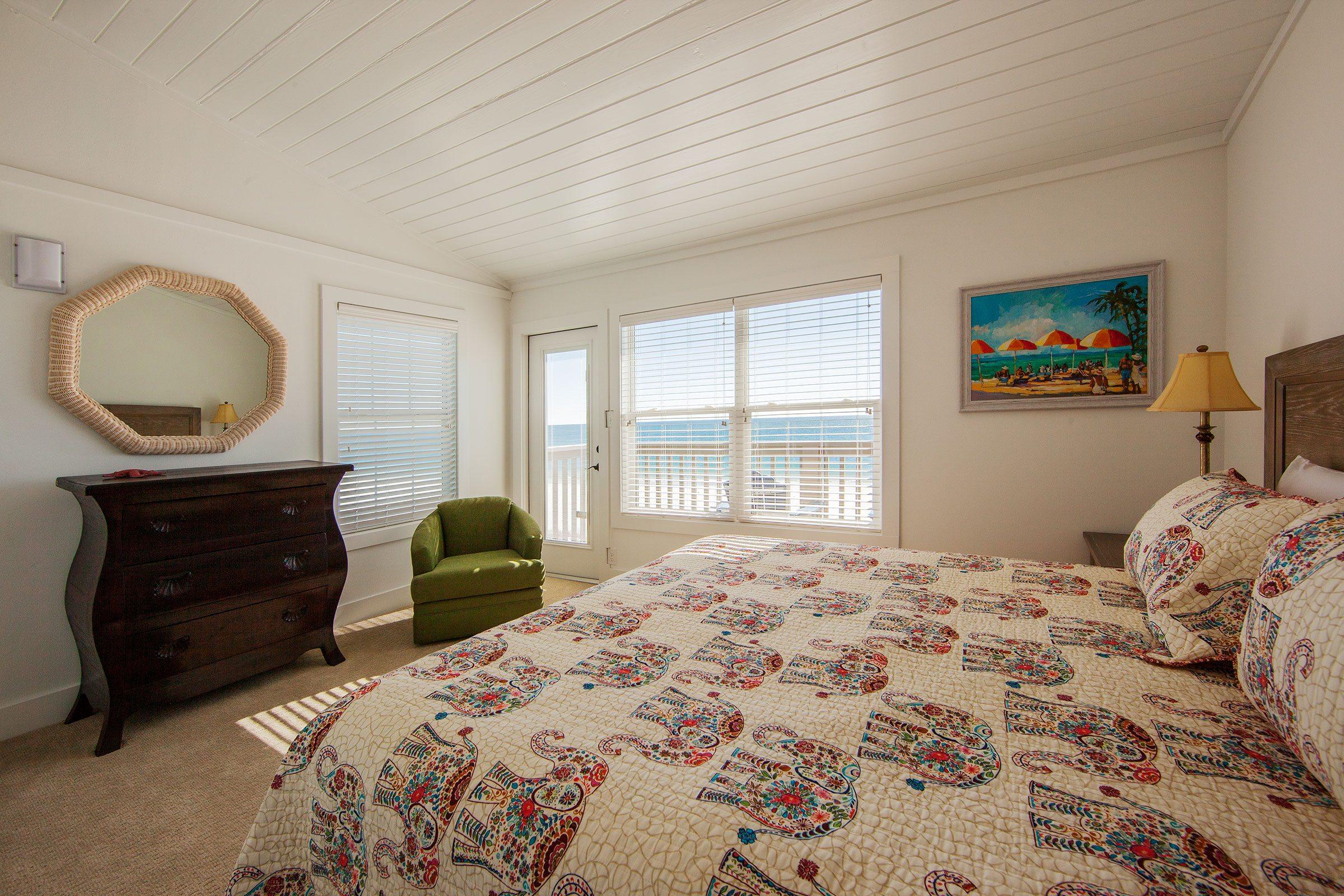 Summer Winds East 3rd Fl Beachside Bedroom 1 On Gulf Shores