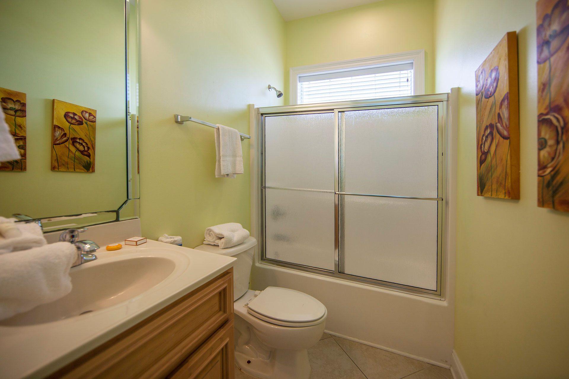 Wits-End-E-1st-floor-common-bath