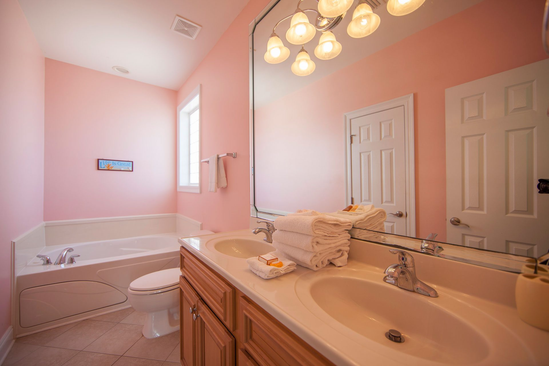 Wits-End-E-2nd-floor-gulfside-bath