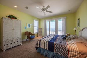 Wits-End-E-2nd-floor-gulfside-bedroom