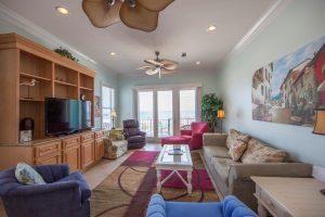 Wits-End-E-Livingroom1