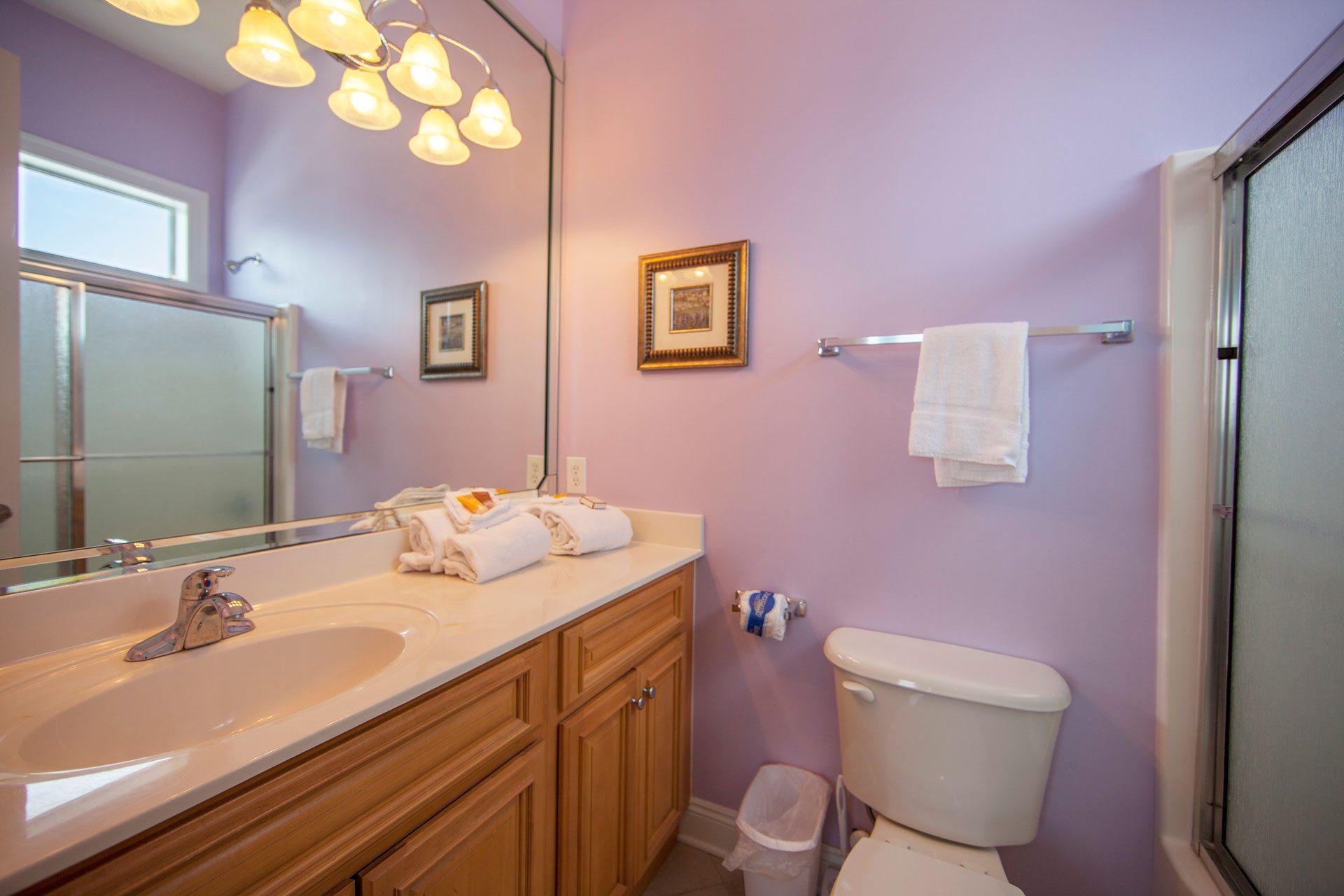 Wits-End-W-1st-floor-bath-off-bedroom