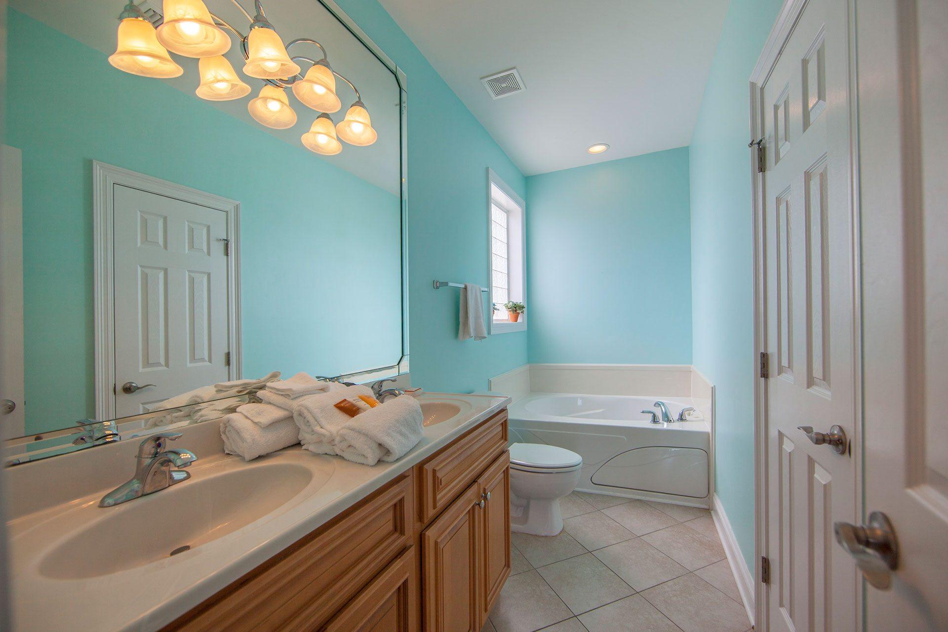 Wits-End-W-2nd-floor-Gulfside-bath