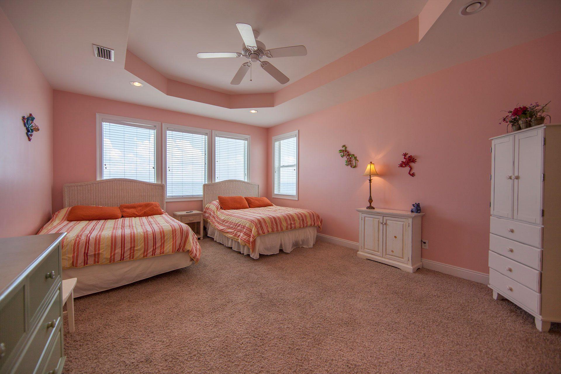 Wits-End-W-3rd-floor-Gulfside-bedroom1