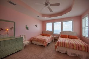 Wits-End-W-3rd-floor-Gulfside-bedroom2