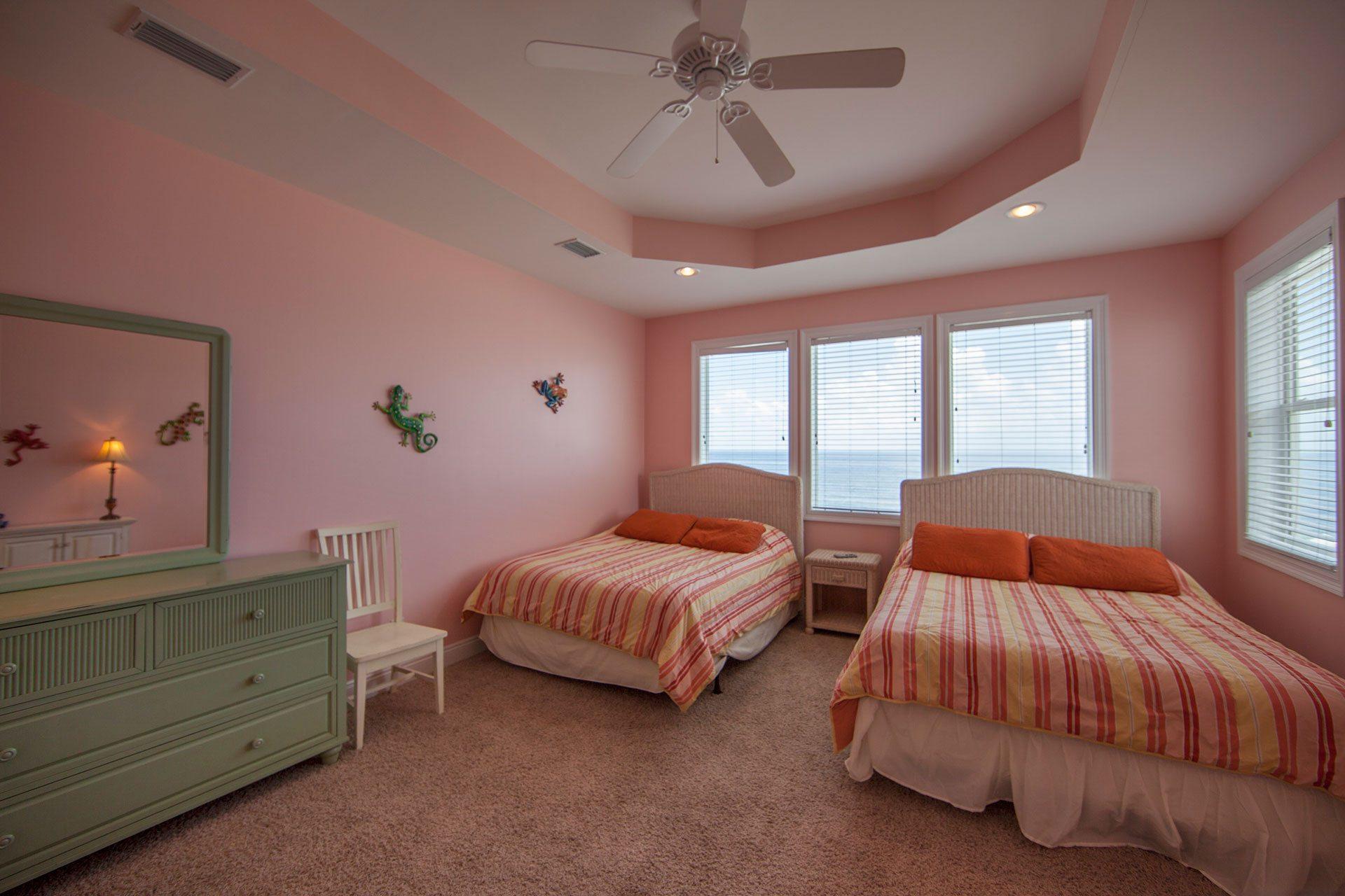 Wits-End-W-3rd-floor-Gulfside-bedroom2