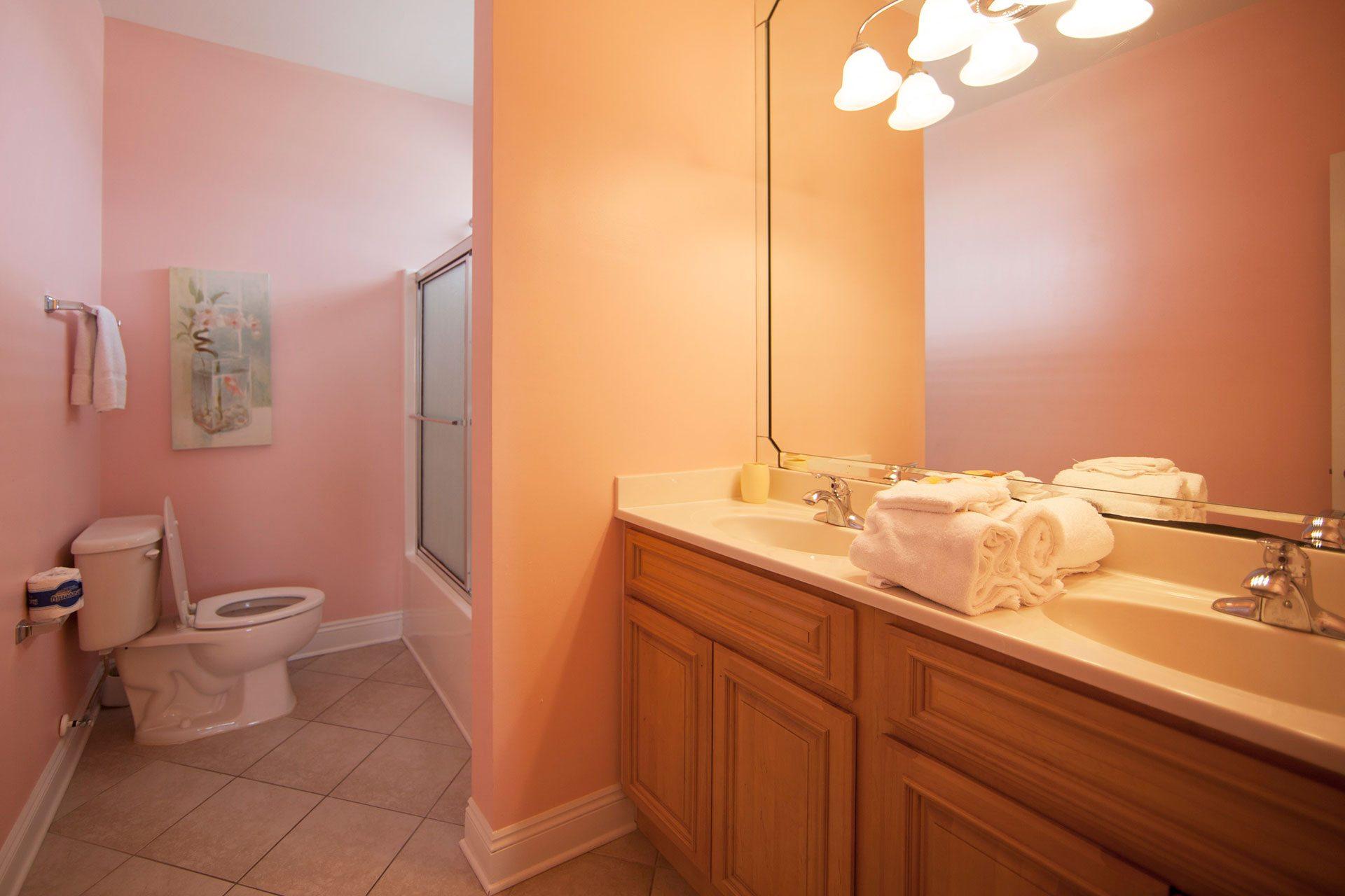 Wits-End-W-3rd-floor-N-bath