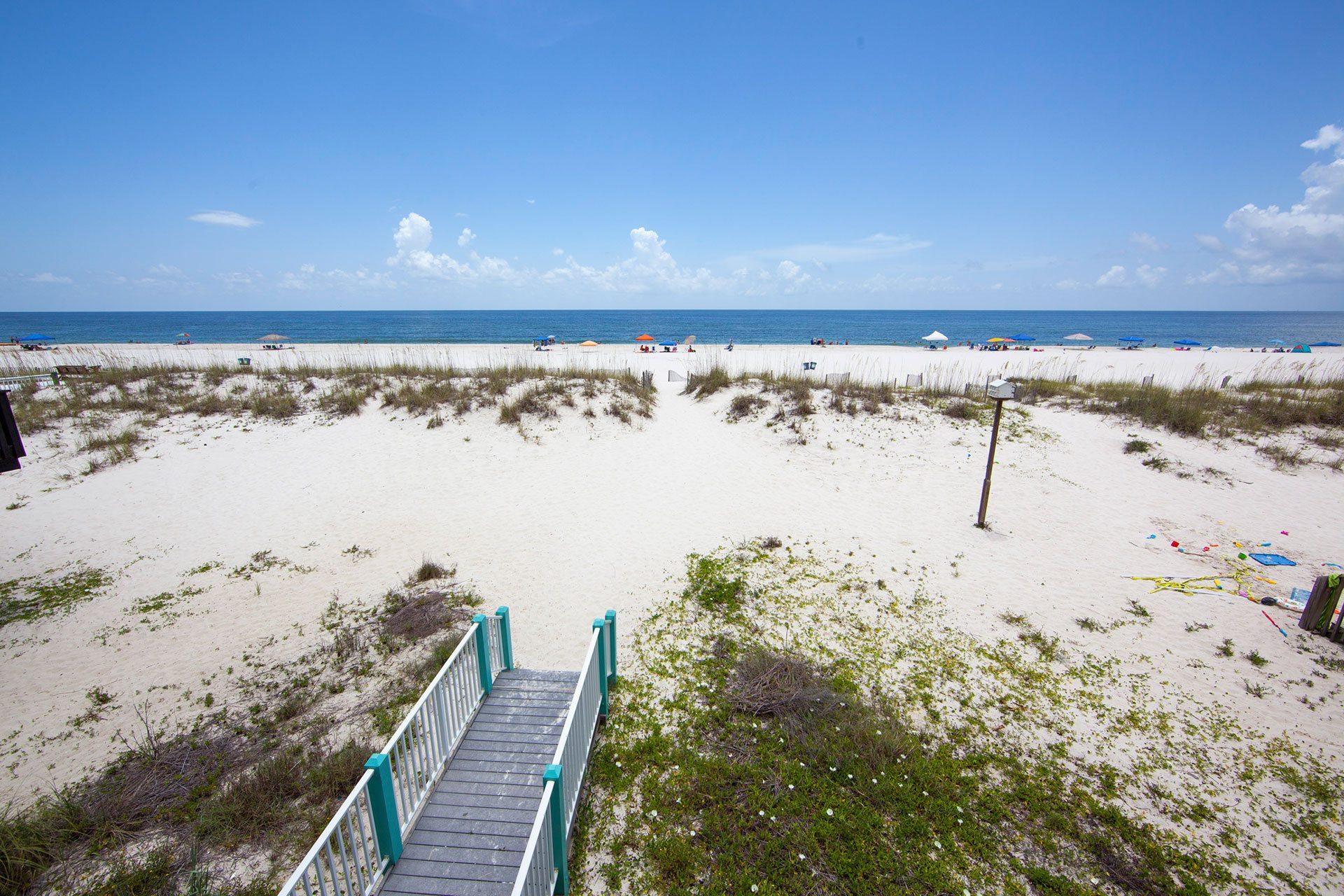 Wits-End-balcony-beachview